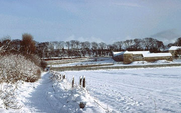 picture of a snow on cleadon hills farm